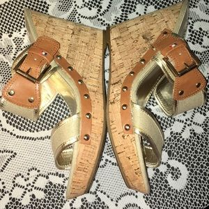 Tommy Hilfiger platform sandals. New without tags.